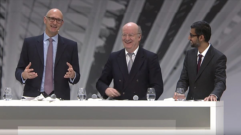 2016: Nationaler IT Gipfel in Sarbrücken, Timotheus Höttges (CEO Deutsche Telekom), Prof. Wolfgang Wahlster und Sundar Pichai (Google CEO) beim CEO Talk 2016: National  IT Gipfel in Saarbrücken, Timotheus Höttges (CEO Deutsche Telekom), Prof. Wolfgang Wahlster and Sundar Pichai (Google CEO) at the CEO Talk