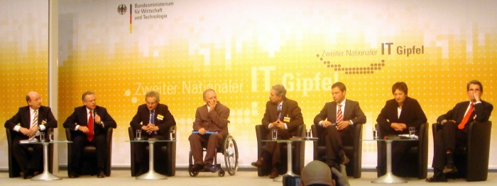 2007: panel discussion at the Second National IT Summit with the Federal Minister of Finance Wolfgang Schäuble and other high-ranking representatives from politics and business