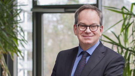 Portrait Prof. Hans Schotten