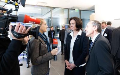 Interview mit Prof. Hoffmann und Wissenschaftsminister Wolf