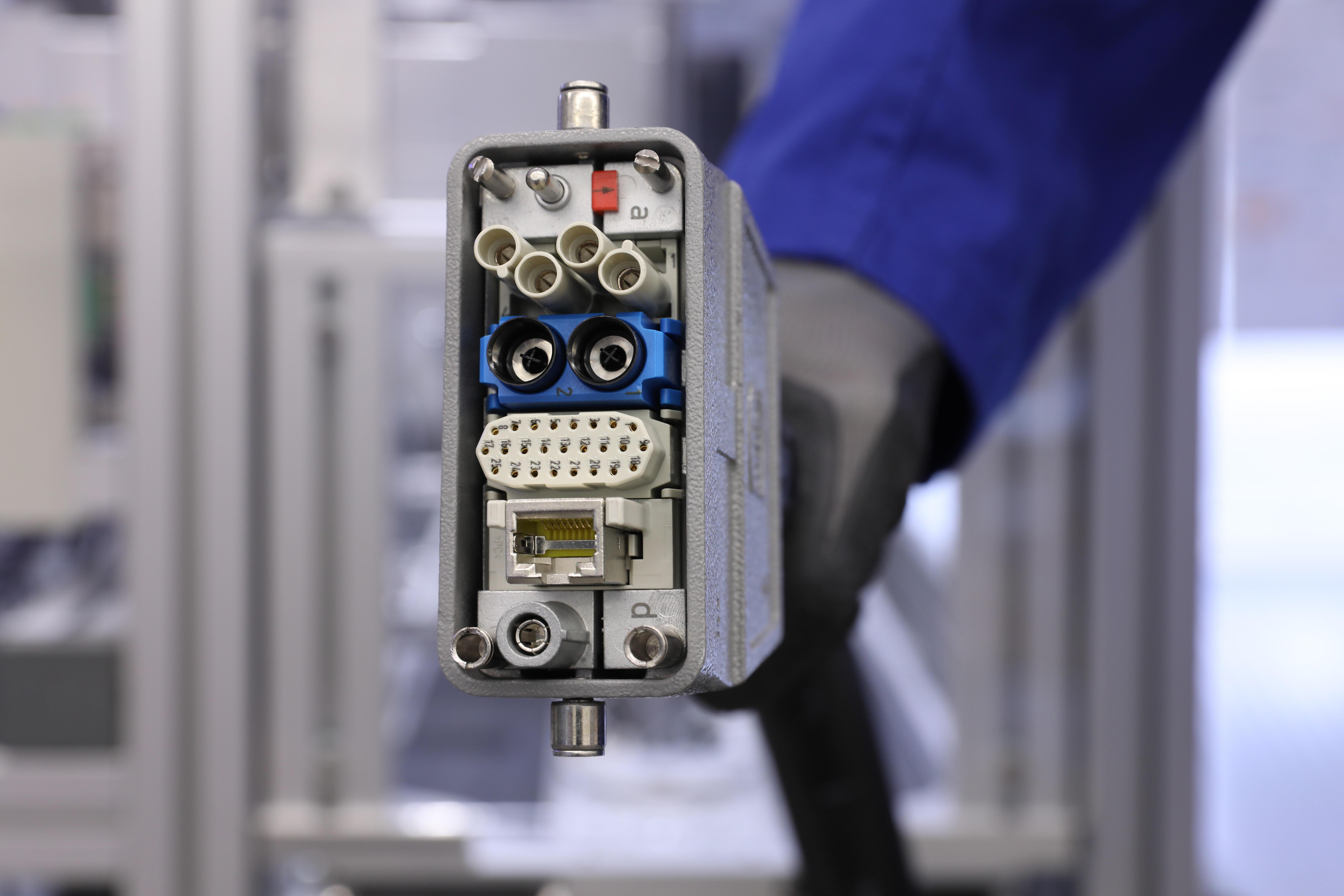 Detailbild des Infrastuktur-Steckers der SmartFactory-KL.
